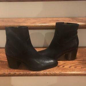 Frye women's Essa Black Booties Size 9.5 New